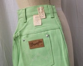 NOS 1950s Wrangler Shorts Western Pin Up Medium Key Lime Green Shorts 28 waist Peddle Pusher