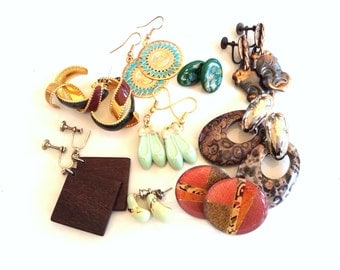 CLEARANCE destash vintage retro earrings mixed lot 9 pairs to wear or for crafts and assemblage lot 981