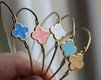 CHOOSE COLOR Gold Clover Quatrefoil Bangle Bracelet Gold Charm - Stackable Bangle Bracelet - Bridesmaid Gift - Gift under 15