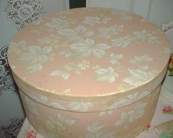 Vintage Pink Wallpaper with Leaves 1940s Shabby Cottage Craft Supplies 1 Yard Hat Boxes