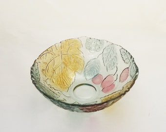 Vintage  Glass Bowl Plate with Leaf and Berry patterns, UK Seller