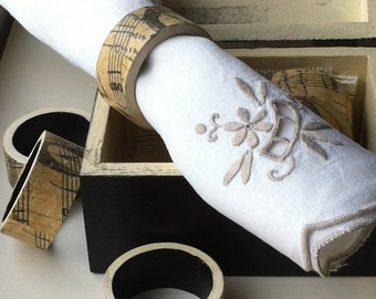 Rustic Wooden Box and Set of Napkin Ring Holders PIANO. Shabby chic Decoupaged Napkin Rings for Wedding Table