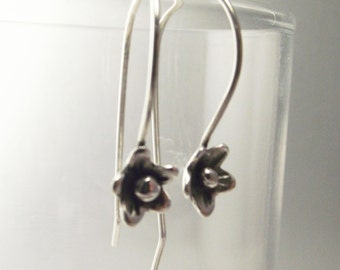 Simply Sweet pure silver Flowers on Argentium earwires