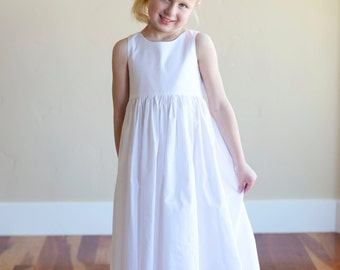 Plain cotton dress in white or ivory