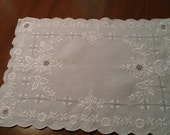 Vintage Linen Cutwork and Embroidered Place Mats/ Table Scarves, white