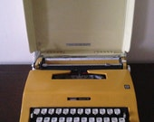 Olivetti Escort 55 Typewriter by Montgomery Ward **Free Shipping