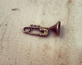 6 Pcs Trumpet Charms Antique Bronze Music Charm Small Charm Musician Vintage Style Pendant Charm Jewelry Supplies  (B010)
