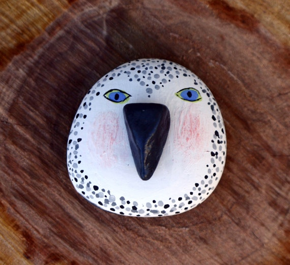 Items similar to Owl magnet from painted rocks ...