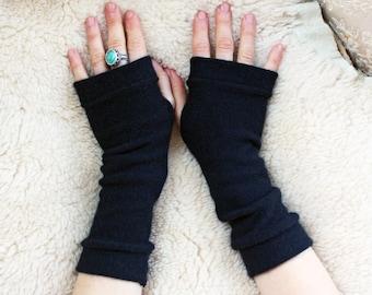 Womans Black Merino Fingerless Gloves - Fingerless Mittens - Wrist Warmers