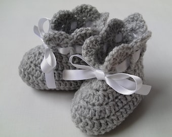 Crochet Baby Booties gift baby pink lilac grey mint white satin ribbon
