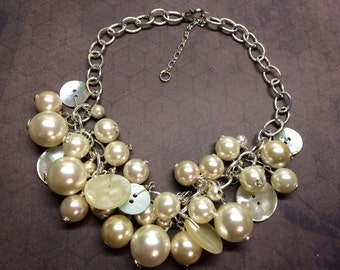 VINTAGE Mother of Pearl buttons and pearls