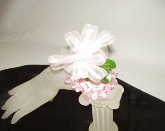 DIY CORSAGE BRACELETS, Glue in Flowers, Wrist Beaded Stretch Corsage bracelets