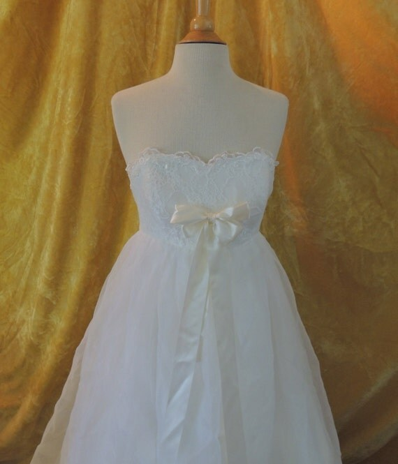 Baby doll chiffon wedding dress strapless by susieqsflashback for Baby doll wedding dress