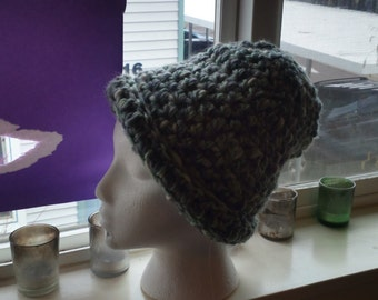 Soft, thick hat, beautiful colors!