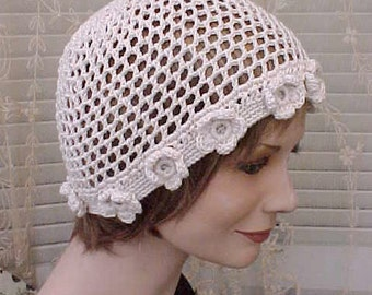Pretty Vintage Ivory Crochet Hat with Rosette Trim