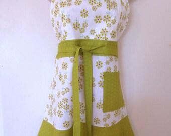 Green/White Floral Print  Full Apron