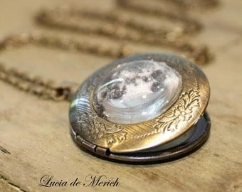 Full moon locket necklace-Full moon jewelry - space jewelry - Galaxy, Astronomy -Coupon code-Black friday - Cyber monday