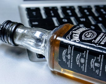 Tennessee Whiskey USB Flash Drive (8GB-32GB)— Tennessee Whiskey Themed Flash Drive USB