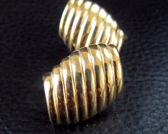 Trifari gold earrings, vintage crown Trifari ribbed gold tone clip on earrings, gold nugget earrings