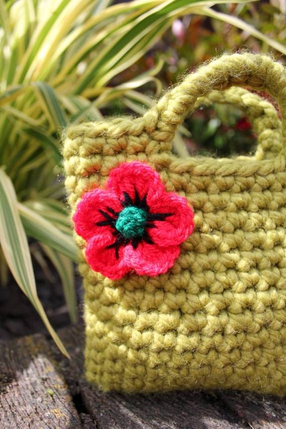 Crochet Flower Girl Basket Pattern : Crochet patterns for girls flower bag pattern