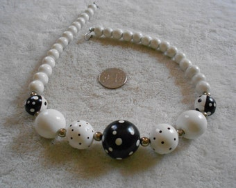 Vintage Necklace-Black & white Poka Dotted Wooden Beaded-N1256