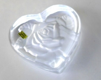 Vintage Rose Heart Paperweight glass or acrylic, R.O.C. Paperweight Taiwan, victorian rose style paperweight