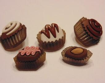 5 piece sweet treats,button mix, 18 x 20 mm (B4)
