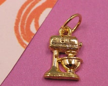 T7 Gold Blender Mixer Charm - kitchen cooking