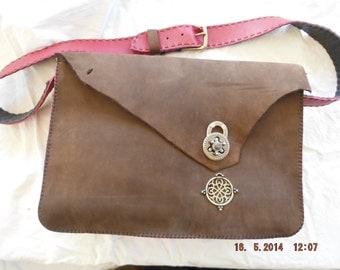 SALE SALE SALE !!!! Rustic Brown and Red Leather Handbag, Shoulder Bag