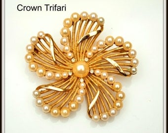 Crown Trifari Flower Brooch Gold tone and Pearls in a swirl design