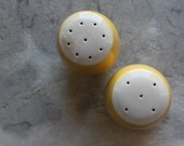 Sierra Ironstone Salt and Pepper Shakers, Yellow & White, 2 Pieces