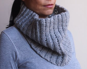 Crochet PATTERN cowl circle scarf neckwarmer loop scarf, man, woman,DIY tutorial, knit look Instant download
