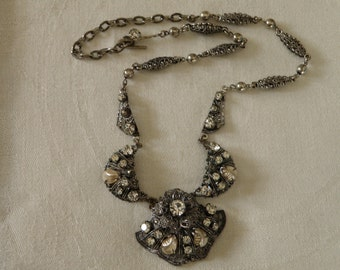 Vintage  Rhinestone and Faux Pearl Necklace - 16 inch