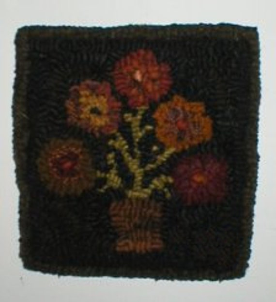 Primitive Folkart 5 Penny HooKed Rug Flower  PATTERN  BeaconHillCollectibles Hooked Rug Patterns