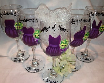 Bridal Party Wedding Glasses, Handpainted Wine Glasses, Personalized Bridesmaides, Maid of Honor and Bride Wine Glass
