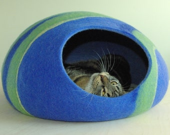Cat bed/cat cave/cat house/blue felted cat cave (With GIFT pad)