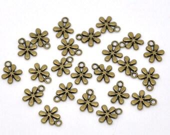 10 pieces Antique Bronze Flower Charms
