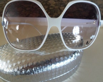 Vintage 1950's sunglasses with Case