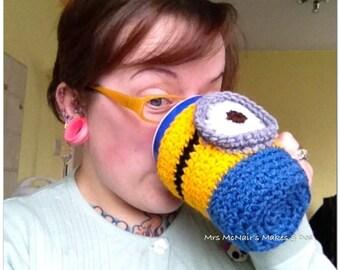 Crocheted Minion inspired mug cosy - cup cozy - mug hug