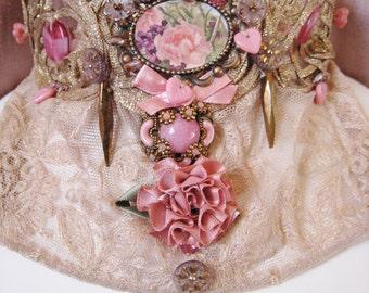 Plastron necklace, antique lace