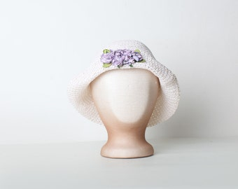 Vintage White Woven Children's Cloche Hat with Flowers