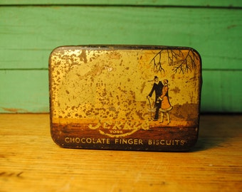 Vintage tin Romantic Couple gold and bronze and lots of charm and patina 1930  toffe candy chocolate biscut tin Tin Romace Couple love