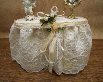 Dollhouse Miniature Vanity or Table