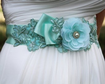 Beaded Lace Bridal Sash, Wedding Sash in Mint Green,Rhinestones, Pearl, Bridal Belt, Wedding Dress Sash, Flower Sash, Bridal Belt