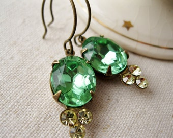 Pale Green Drop Earrings. Vintage Glass Rhinestones. Hollywood Glam. Antiqued Brass. Vintage Style Statement Earrings. Jonquil. Peridot.
