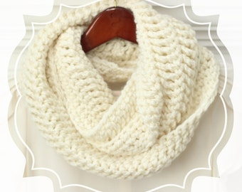 Crochet Infinity Scarf, Ivory, Cream Winter Scarf, Circle Scarf, Loop Scarf, Crochet, Women's, Color Choice