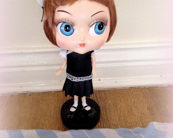 Blythe doll bobble head collectible porcelain ooak