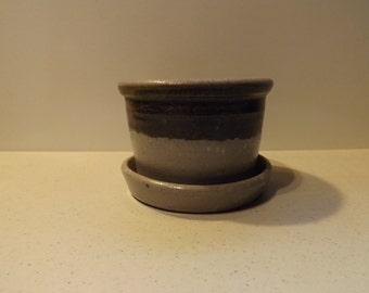 Rockdale Stoneware Pottery Planter