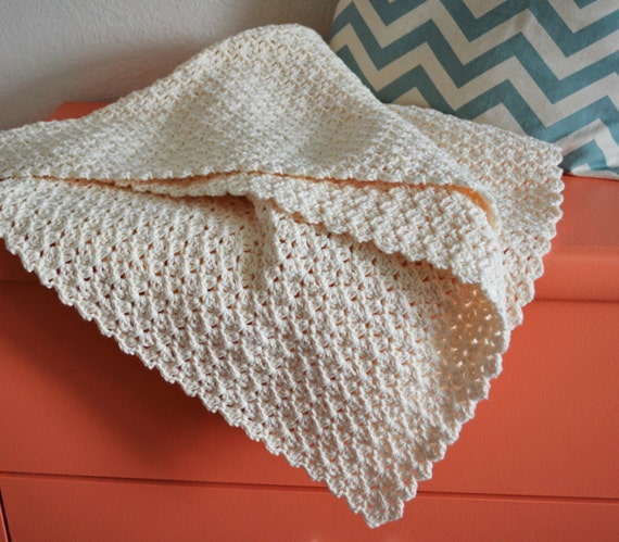 Pattern Simple Scallop Crochet Baby Blanket For Baby
