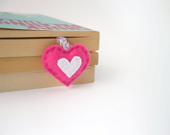 Pink heart bookmark, personalized felt bookmark, initial book mark, mini heart, hand embroidered ribbon bookmark, page marker, bookworm gift